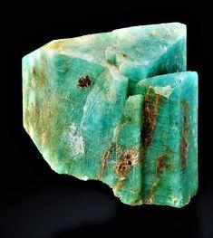Green Gemstones, Minerals And Gemstones, Crystals Minerals, Rocks And Minerals, Stones And Crystals, Mineral Stone, Rutilated Quartz, Rocks And Gems, Beautiful Gifts
