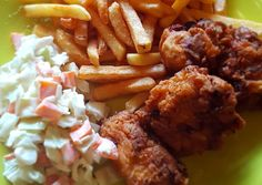 Déli rántott csirke (Southern fried chicken) | Timcsi receptje - Cookpad receptek Fried Chicken, Deli, Chicken Wings, Bacon, Southern, Food And Drink, Cooking, Recipes, Kitchen