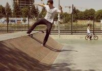 Mais um da serie de vídeos em Slow Motion de skate este gravado na Espanha e foi Filmado por Trajano y Rupert, o vídeo traz altas tricks usando caixotes e várias bordas, corrimões e além de algumas manobras de solo.