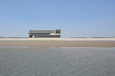 Qinhuangdao Shi, Hebei Sheng Gallery of Seashore Library / Vector Architects - 2