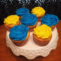 Blue & yellow cupcakes