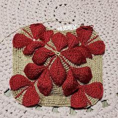 코바늘뜨기 나뭇잎가방, 3d 입체가방~ : 네이버 블로그 Stitch Patterns, Knitting Patterns, Crochet Patterns, Knit Or Crochet, Crochet Stitches, Square Blanket, Knitted Bags, Beautiful Crochet, Hand Embroidery