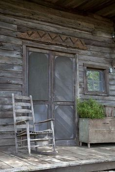 Where I'd love to come home to House Tour: Cabin Fever Country Porches, Front Porches, Southern Porches, Cabin Fever, Old Screen Doors, The Doors, Le Far West, Old Barns, Cabins In The Woods