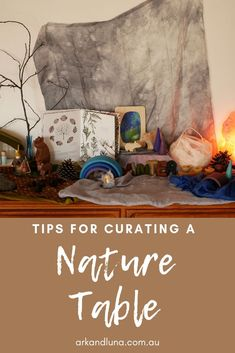 Jan 21, 2020 - A nature display is an enchanting way for children to engage with the environment around then and invite nature play and learning. Science Table, Toddler Classroom, Winter Table, Inspired Learning, Small World Play, Outdoor Crafts, Nature Table, Outdoor Learning, Forest School