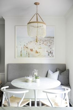 If you are looking for Luxurious Small Dining Room Decorating Ideas, You come to the right place. Below are the Luxurious Small Dining Room De. Dining Nook, Dining Room Walls, Dining Room Design, Dining Room Furniture, Dining Tables, Living Room, Apartment Dining Rooms, Room Chairs, Built In Dining Room Seating