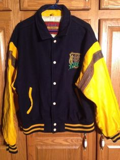 VINTAGE-XL-NOTRE-DAME-FIGHTING-IRISH-ATHLETIC-WOOL-AND-LEATHER-VARSITY-COAT