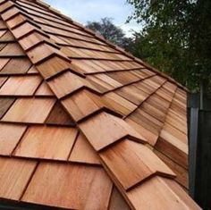 There are two types of wood roofing: shingles and shakes. Wood shingles are machine-cut and tapered for a trim, crisp appearance. Wood shakes are hand-split, giving them a more rustic appeal. While not as practical as modern asphalt shingles, there is no Cedar Shingles, Roofing Shingles, Asphalt Shingles, Steel Roofing, Types Of Roof Shingles, Tin Roofing, Cedar Roof, Red Cedar, Roofing Options