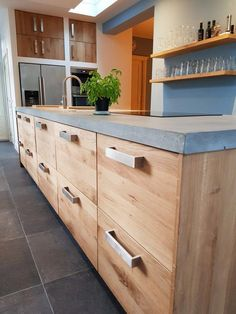 Choosing Your New Kitchen Countertops Cement Countertops, Kitchen Countertop Materials, Kitchen Cabinets Decor, Bathroom Countertops, Kitchen Backsplash, Kitchen Interior, Kitchen Walls, Backsplash Ideas, Kitchen Tops