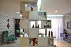 Nichos + Home office + Home | Projeto Unio Arquitetura #unioarquitetura Shelving, Photo And Video, Instagram, Home Decor, Arquitetura, Shelves, Shelving Racks, Interior Design, Home Interior Design