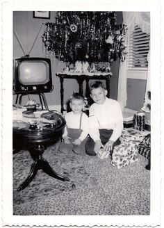 Vintage 1950s Photo Kids By Christmas Tree Unopened Gifts Retro Television TV