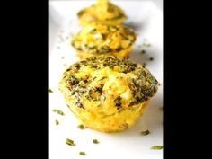 Mini Ham and Cheese Frittatas, this is perfect for breakfast on the go! Everything  bakes in a muffin tin!   Tastefulventure.com