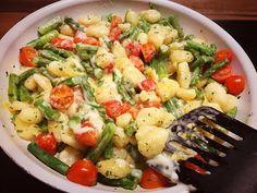 Gnocchi mit grünem Spargel, ein gutes Rezept aus der Kategorie Kochen. Bewertungen: 11. Durchschnitt: Ø 4,5.
