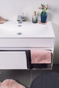 praktische stylingtipps für 4 verschiedene badstile | umstyling ... - Einrichtungsstile Ideen
