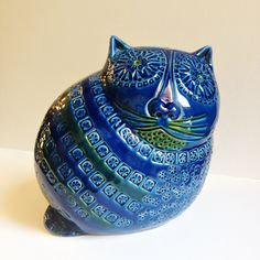 Rare and very original cat ceramic bank. Design and enamel in the manner of the renowned Bitossi - Rimini blu ceramic pieces by Aldo Londi  Made in Italy  glazed ceramic in blue - turquoise  Height: 21 cm (8,26)  in mint condition, no cracks or marks