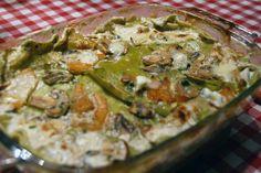 Il periodo per mangiare la zucca è l'ideale: provala in questa ricetta golosa delle lasagne con il porro e i funghi porcini più profumati.