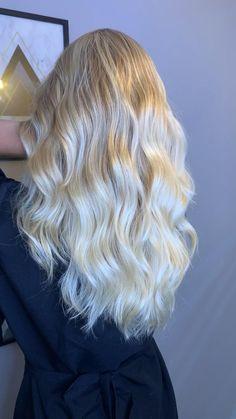 Natural blondie Doll Eye Makeup, Hair Makeup, Long Natural Hair, Business Hairstyles, Copper Hair, Doll Eyes, Blonde Highlights, Hair Growth, Red Hair