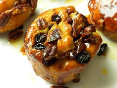 Pecan fruit rolls : These pecan nut and dried fruit rolls, wrapped in golden caramelized puff pastry, are really delicious.