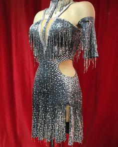 ПРИНИМАЕМ ТОЛЬКО ПО ЗАПИСИ в Instagram: «#sale!!!! ЦЕНА СНИЖЕНА!!! Да))) и это, супер динамичное, платье так же находится в продаже. Состояние ИДЕАЛЬНОЕ!!! Танцевало очень мало.…» Dance Gear, Ballroom Costumes, Burlesque, Color Combos, Dancer, Glamour, Culture, How To Wear, Wattpad