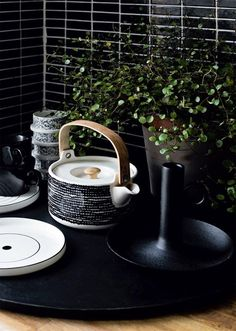Time for tea in our beautiful siirtolapuutarha teapot by Marimekko Beautiful black and white is always on trend. Inside is a ceramic strainer so perfect for loose tea too! (scheduled via http://www.tailwindapp.com?utm_source=pinterest&utm_medium=twpin)