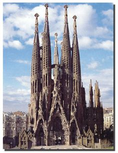 Antoni Gaudi- Sagrada Familia 1883-?