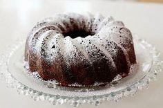 Tälle päivälle leivoin vieraita varten.   Aterioinnin jälkiruokana oli kahvit ja juuri nämä makeat kakut.   Valmistin possun ulkofileen uun...