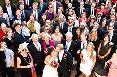 Hochzeitsgesellschaft von oben fotographiert