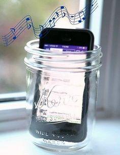 This really works! Turn a mason jar into an iPhone speaker - #masonjar #ad