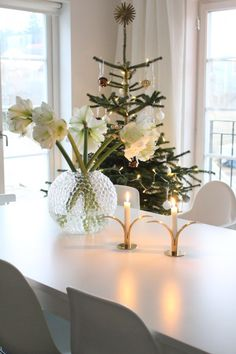 Dagg Swedish Christmas, Very Merry Christmas, Cozy Christmas, Scandinavian Christmas, Green Christmas, Xmas, Holiday Wishes, Holiday Tree, Flower Decorations