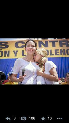 oda Venezuela está con @Leopoldo Lopez !!!! Fuerza y FE!!!! @liliantintori pic.twitter.com/kUJCxjUtX2 - via @ffeomaria