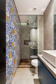 Voici quelques conseils pour aménager une salle de bain étro…