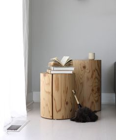 These would make perfect bedside tables too, paired with a floor lamp and glass carafe//