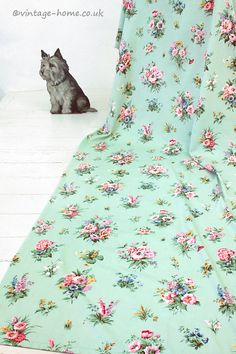Vintage Home Shop - Pretty Cottage Garden Floral Vintage Curtain with a lovely Minty Green Background: www.vintage-home.co.uk