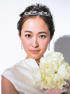 bdf21be80d670 画像    先輩花嫁・モデル事例 ヘッドドレス別・花嫁のヘアスタイル ボンネ編  - NAVER まとめ