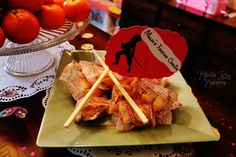 Disney Birthday Party ideas. DIY. Mulan. Fortunes.