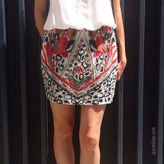 http://www.lasestilistas.com/tipos-de-cuerpo/  Las faldas con lentejuelas o abalorios le dan volumen a tus caderas así que cuidado al utilizarlas! ☺️ para mas trucos de estilo visita mi blog  __________________  Skirts with sequins add extra volume to your hips so be careful when using them! ☺️ for more style types visit my post