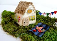 Crochet House ?.. A little crochet house that the roof lifts up on. Use it for Christmas or any holiday;or just to keep your tiny bears in!... Free pattern,tutorial and there's a video!