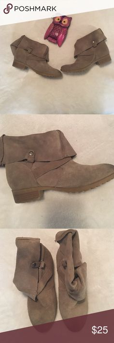 GIRLS Dolce Vita Suede Booties Slouchy, girly, and so adorable! Dolce Vita brand and in good condition. Size 2 in little girl. Dolce Vita Shoes Boots