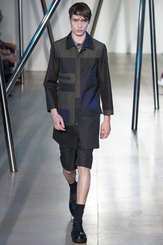See the complete Jil Sander Spring 2016 Menswear collection.