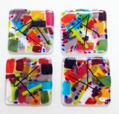 Pagtutunaw ng Salamin na Coasters Fused Glass Ornaments, Fused Glass Plates, Fused Glass Art, Glass Tiles, Glass Fusion Ideas, Glass Fusing Projects, Wine Bottle Candles, Bullseye Glass, Tile Crafts