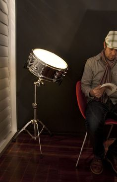 How awesome is this drum light? I could see this in my home music studio, right next to the real Yamaha drum kit. Lampe Retro, Drum Room, Home Studio Music, Cool Lamps, Snare Drum, Home Gadgets, Deco Design, Cool Lighting, Lamp Light