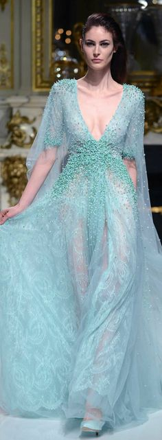 Charlotte Licha Spring 2014 Couture features gorgeous formal evening gowns and dresses that are feminine with an element of the sensual. Fashion Week, Look Fashion, High Fashion, Pastel Fashion, Classic Fashion, Couture Fashion, Runway Fashion, Womens Fashion, Beautiful Gowns