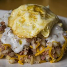 When my son was in the army he would eat breakfast in the mess hall. He used to combine all these individual ingredients and make them into what he called hobo hash. Hobo Dinners, Fast Dinners, Brunch Recipes, Breakfast Recipes, Breakfast Ideas, Dinner Recipes, Campfire Desserts, Campfire Food, Crockpot Recipes