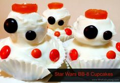 Looking for Star Wars Party Idea? These BB-8 Cupcakes are simple enough for the mom on the go to make.  #StarWars #Cupcakes #BB8