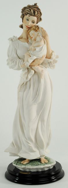 Giuseppe Armani Bliss Figurine Capodimonte  1997 Mother  Child.