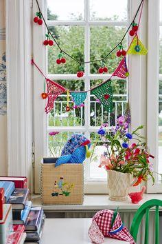 Crocheted garlands by www.rice.dk
