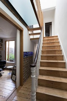 Small houses don't have to be poky. This Victorian terrace shows how you can maximise space in a bijou pad Dado Rail Hallway, Entry Stairs, House Stairs, Victorian Terrace House, Victorian Townhouse, Victorian Homes, Outside Toilet, Painted Staircases, 6 Bedroom House