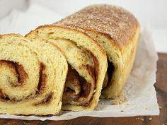 """Aluat """"înmuiat"""" - o adevărată minune! Chiflele vor rămâne proaspete timp de 2 săptămâni! - Bucatarul Bread, Recipes, Food, Meal, Eten, Breads, Hoods, Meals, Sandwich Loaf"""
