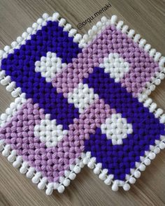 Kare Kare, Crochet Cord, Hand Applique, Crewel Embroidery, Baby Knitting Patterns, Diy And Crafts, Blanket, Handmade, Plaits Hairstyles