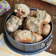 Sourdough rolls with oat bran, oat flour and rolled oats. Spiced with anise, fennel and caraway seeds.