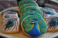 peacock cookies-too pretty to be eaten! Cute Cookies, Cupcake Cookies, Sugar Cookies, Bird Cookies, Heart Cupcakes, Fancy Cookies, Flower Cookies, Heart Cookies, Peacock Cake